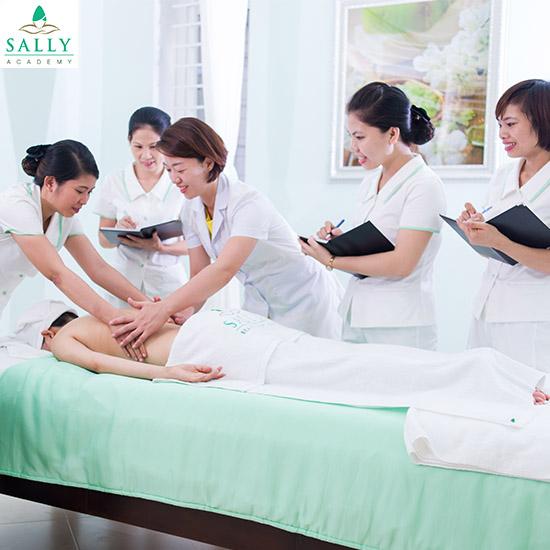 Bất ngờ với khóa học skin kết hợp massage tại Sally Academy