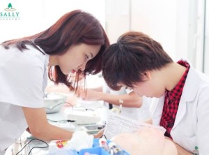 Nơi nào dạy nghề phun thêu thẩm mỹ ở Hà Nội