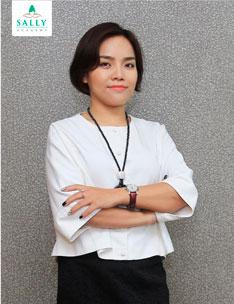 Viện trưởng Sally Nguyễn
