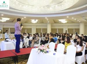 24/04/2016 Hội thảo Tạo dựng phong cách cá nhân cùng Tiến sĩ Shasha Kim và Chuyên gia Lee Jin Ha