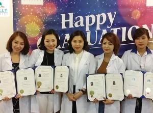 Học phun xăm thẩm mỹ tại Hà Nội nhận chứng chỉ quốc tế có ai muốn ?